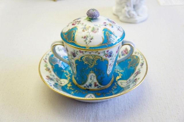 Cup with Saucer and Lid